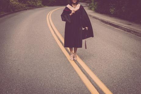 graduation-2613175_1920